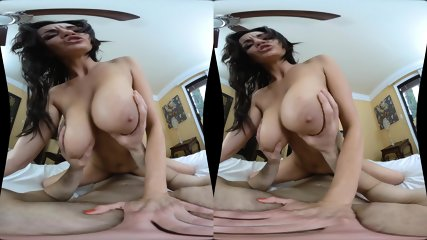 Keep2Share – Milfvr Presents RoomMating – Becky Bandini