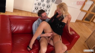VIPSEXVAULT – Nikky Dream Fucks Like A Pro On The Casting Couch
